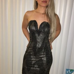 Dresses & Skirts - Sexy strapless shiny dress size small